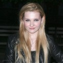 Abigail Breslin Looks Grown Up