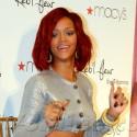Rihanna Debuts Her New Perfume