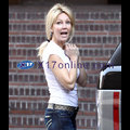Heather Locklear Looks Happy!