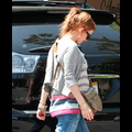 <em><font color=orange>X17 XCLUSIVE FIRST PIX</em></font> - Isla Fisher Pregnant With Second Child