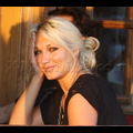 <em><font color=orange>X17 XCLUSIVE</font></em> - Brooke Hogan Has A Romantic Sunset Dinner With Her Mom