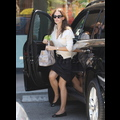 Jen Garner Dines Out For Lunch, Leaves The Girls At Home