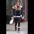 Elle Macpherson Stays Warm And Fuzzy In Aspen