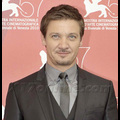 Jeremy Renner Replaces Matt Damon As Lead in New <em>Bourne</em> Movie
