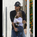 "<em><span class=""exclusive"">EXCLUSIVE PHOTOS</span></em> - Larry Birkhead Steps Out With Daughter Dannielynn"