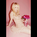 "Dakota Fanning Strikes A Sweet Pose For Marc Jacobs' ""Oh, Lola"" Fragrance"