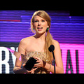 Taylor Swift Rules At The 39th Annual American Music Awards