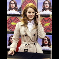 Lana Del Rey Tries To Redeem Herself By Performing At Amoeba Music