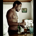 Lenny Kravitz Goes Topless, Shows His Sexy Abs For <em>Interview</em> Magazine