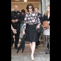 Linda Evangelista Keeps A Poker Face At Child Support Hearing