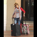"<em><span class=""exclusive"">EXCLUSIVE PHOTOS</span></em> - Britney Spears Moves Into A Hotel!"