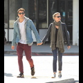 <em>Revenge</em> Sweethearts Emily VanCamp And Josh Bowman Hold Hands After A Lunch Date