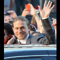 Charlie Hunnam Suits Up For The <em>Sons Of Anarchy</em> Premiere