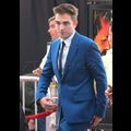Robert Pattinson Looks Dapper In Bright Blue Suit For <em>The Rover</em> Premiere