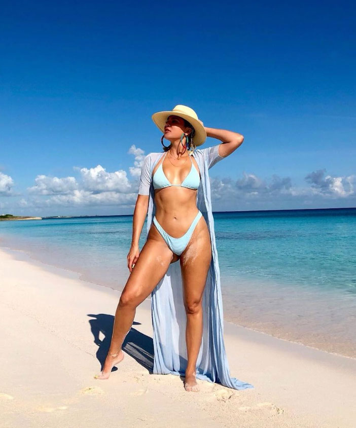 Khloe Kardashian Shows Us How She Got This Incredible Bod - X17 Online