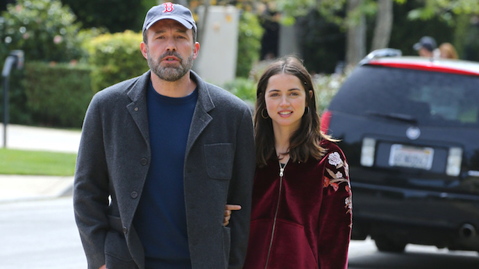 Ben Affleck And Ana de Armas Walk Arm-In-Arm During Romantic Stroll - X17 Online