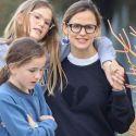 Jennifer Garner Wears Broken Heart Sweatshirt For Second Straight Day During Evening Walk With The Fam