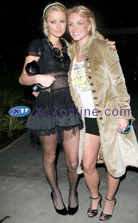Britney Spears BSpearsNoUnderwear1125_4.jpg