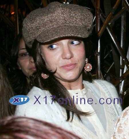Britney Spears BSPEARSBLUEEYES0323_04.jpg