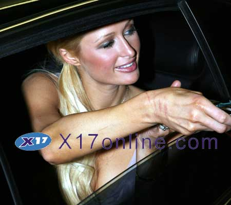 Paris Hilton LLOHANFASTFOOD030907_34.jpg