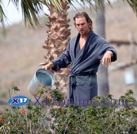 Matthew McConaughey MMCCONAUGHEYBBQ041607_03.jpg