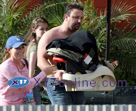 Britney Spears BSPEARSBODYGUARD0523_01.jpg