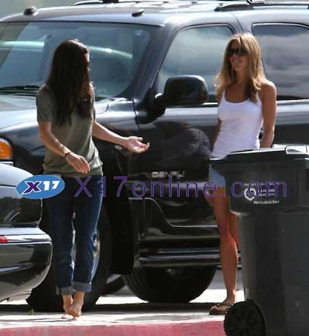 Jennifer Aniston JANISTON052807_04.jpg