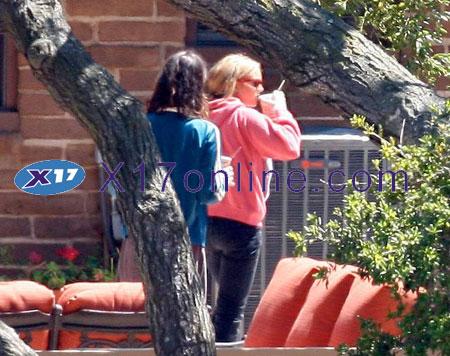 Lindsay Lohan LLOHANREHAB053007_05.jpg