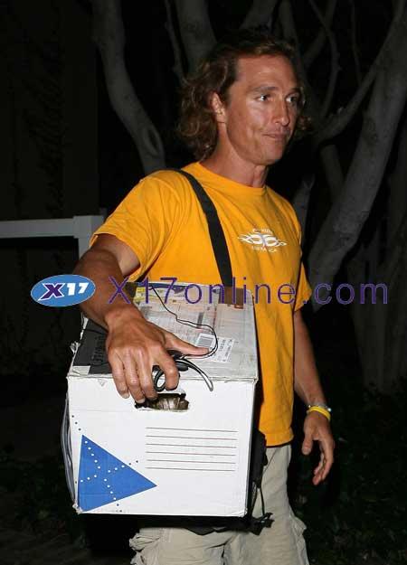 Matthew McConaughey MMCCONAUGHEYYELLOW0507_07.jpg
