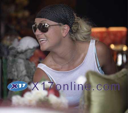 Britney Spears BSPEARSANTIQ061207_10.jpg