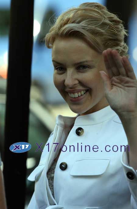 Kylie Minogue KMINOGUE062007_012.jpg