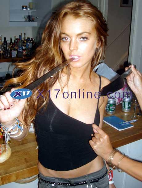 LLohanKnife053007_1.jpg