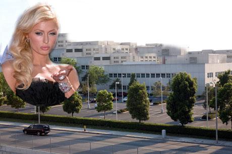 Paris Hilton PHILTONJAIL050707bye_01.jpg
