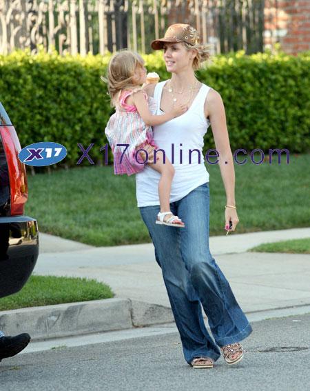 Heidi Klum HKLUM071507_06.jpg