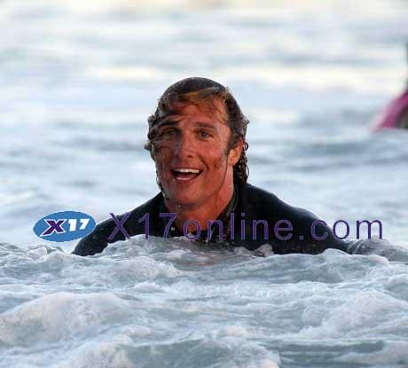 Matthew McConaughey MMcConaugheySurf062907_5.jpg