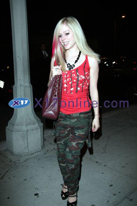 Avril Lavigne ALAVIGNE080107_34.jpg