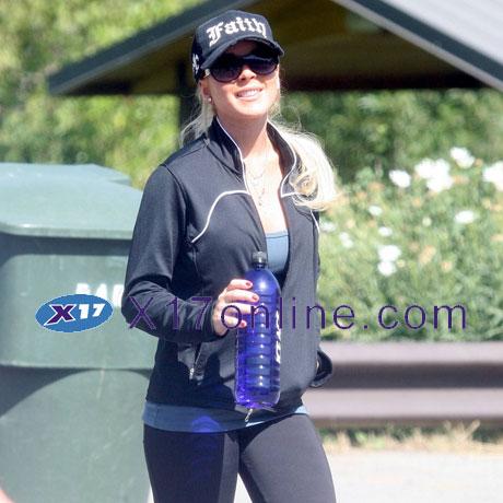 Lindsay Lohan LLOHANDOG082007_01.jpg
