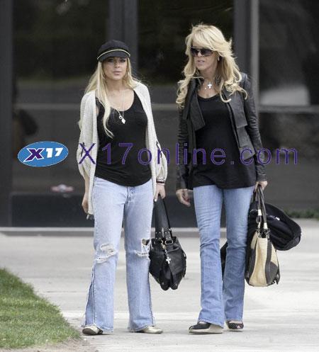 Lindsay Lohan LLOHANDINA091307_013.jpg