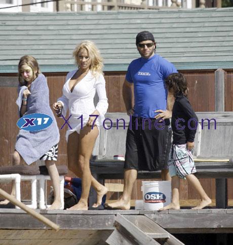 Pamela Anderson PAndersonWED093007_2.jpg