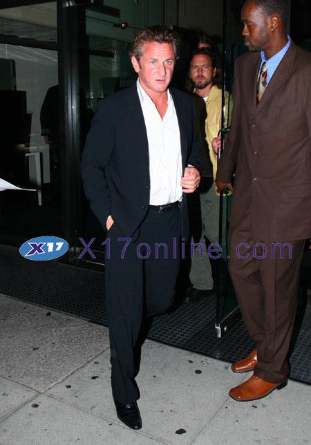 Sean Penn SPENN091707_01.JPG