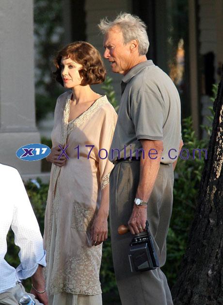 Angelina Jolie AJOLIE101907_1.jpg