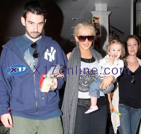 Christina Aguilera CAGUILERA100607_15.jpg