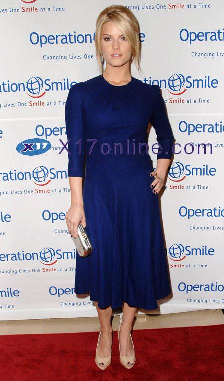 Jessica Simpson JSIMPSON100607_07.jpg