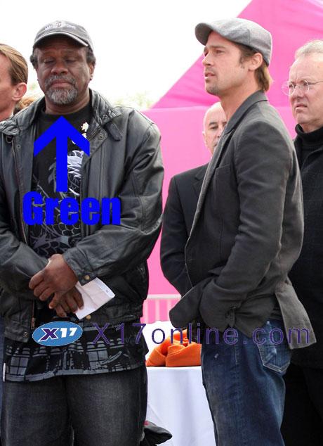 Brad Pitt BPITTASLEEP120307_06.jpg