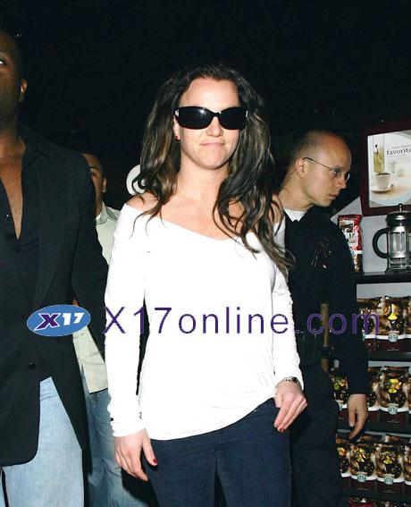 Britney Spears BSPEARS021008_51.jpg