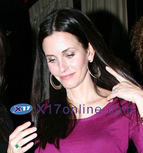 Courteney Cox CCOX022808_07.jpg