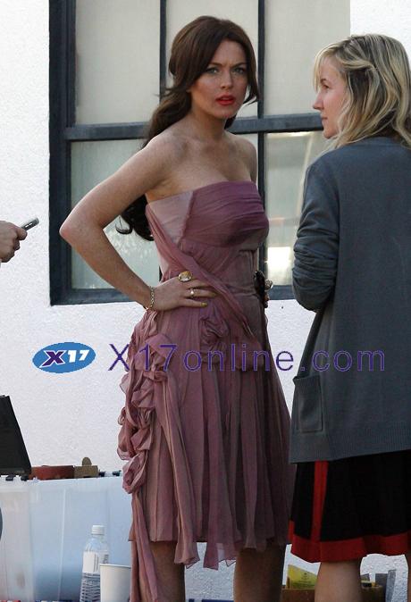 Lindsay Lohan LLOHANLOOK021208_09.jpg