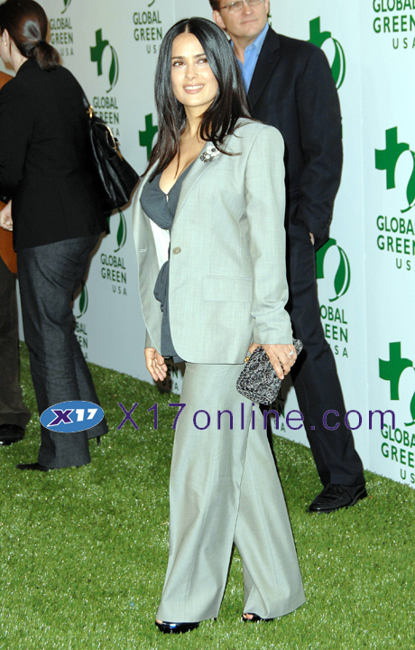 Salma Hayek SHAYEK022108_03.jpg