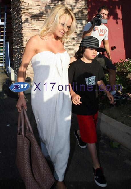 Pamela Anderson PANDERSONTLEE032308_06.jpg