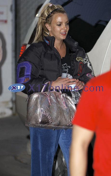 Britney Spears BSpearsDown0526_05_X17.jpg